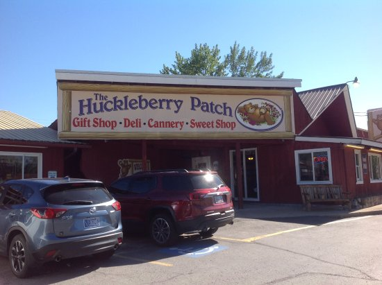 The Huckleberry Patch Cannery, Restaurant, & Gift Shop: Front of House