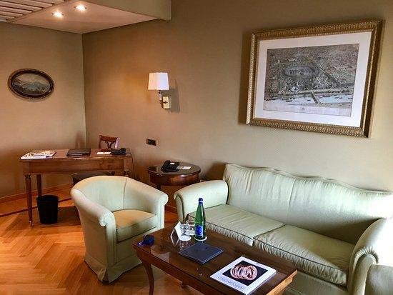 Grand Hotel Vesuvio : Junior Suite Seaview. Living room
