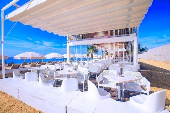 Una terraza perfecta para los calurosos días de verano