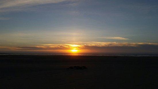 Manzanita Beach: Beautiful sunsets