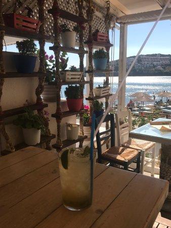 Batsi, Grecia: Μαστέλλο