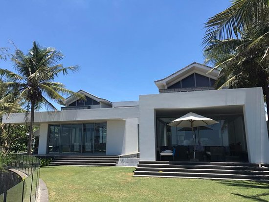 The Ocean Villas: 5 Bedroom Beach Villa