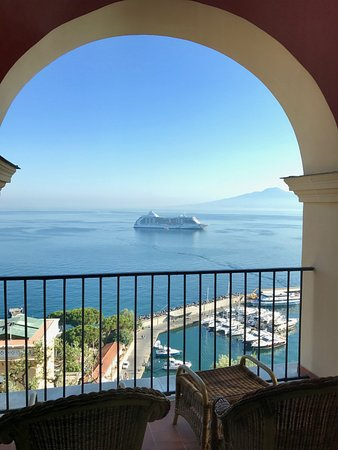 Grand Hotel Excelsior Vittoria : Suite Deluxe Sea View. Balcony