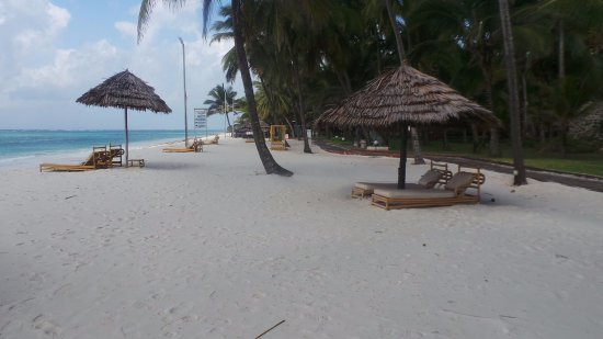 Diani Reef Beach Resort & Spa: The beach area