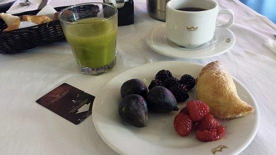 Hotel Riu Plaza Guadalajara: El Desayuno Estilo Buffet tiene de todo para todos los Gustos! Yo AMO los Higos y aquí los tiene