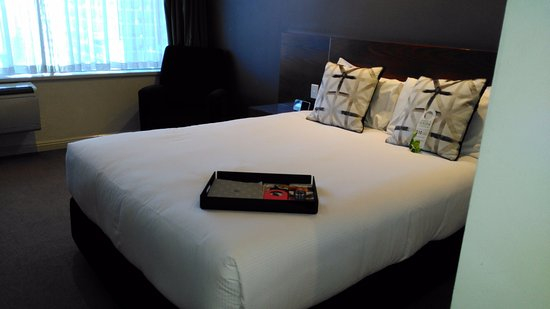 Rydges Melbourne Hotel: Premium Queen Room