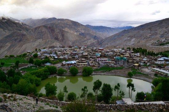 Spiti Valley: Nako village and lake