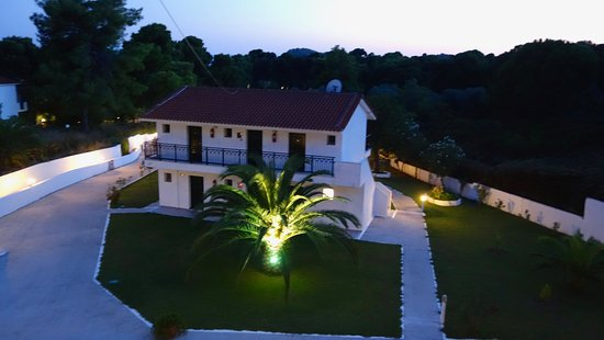 "Eliso Studios & Apartments: Eliso Studio grounds - please also my ""Youtube"" Skiathos videos search MrFabchild"