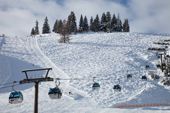Hotel Enzian is located right across from the lift station in Zauchensee.