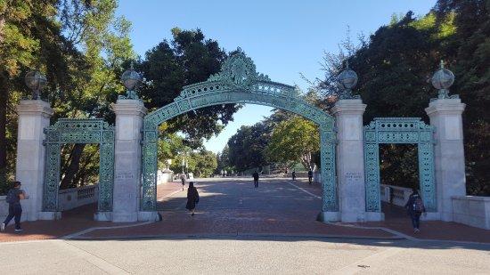 University of California, Berkeley: Sater Gate