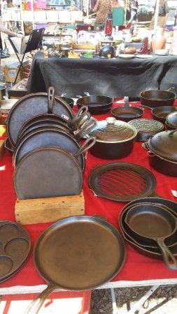 Woodstock, Estado de Nueva York: the very popular cast iron pan booth!