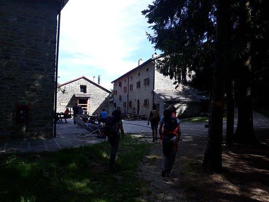 Rifugio I Diacci: Il rifugio arrivando dal fiume Rovigo