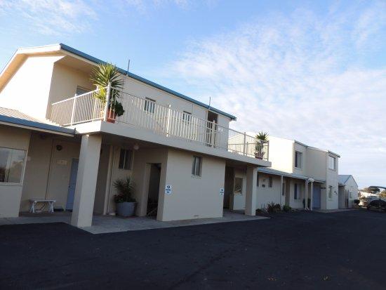 Lakeview Motel: 住宿外觀