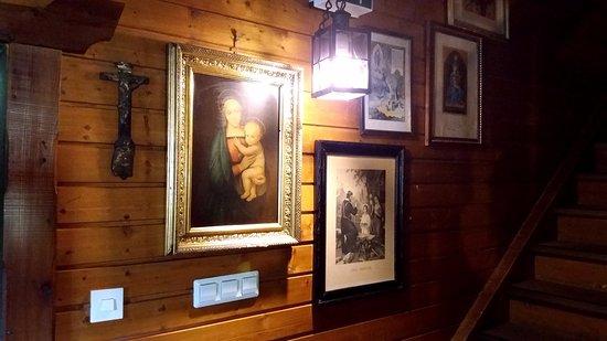 Innervillgraten, Austria: Viele Antiquitäten im Innern des historischen Hauses