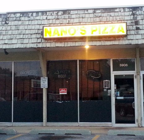 Morton Grove, IL: front of & entrance to Nano's Pizza