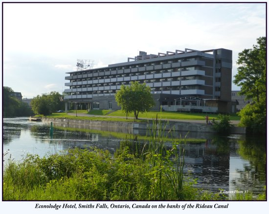 Smiths Falls, Canada: Hotel is very close to a selection of parks hosting a wide variety of activities for all the fam
