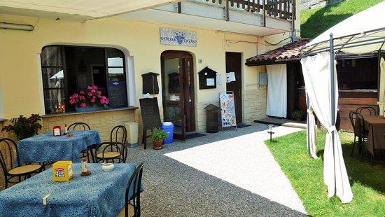 Borgosesia, Italy: Giardino