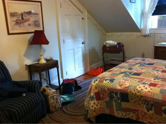 Dowds' Country Inn: New Hampshire room