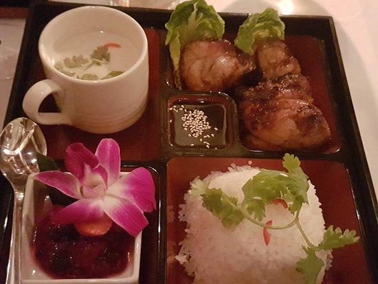 """Restaurant Thai Garden: Thai Box """"Thai Garden"""" Tmo Kha Phag , Gai Hor Ba Toi"""