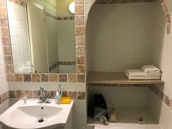 U Paesolu : salle de bain avec baignoire