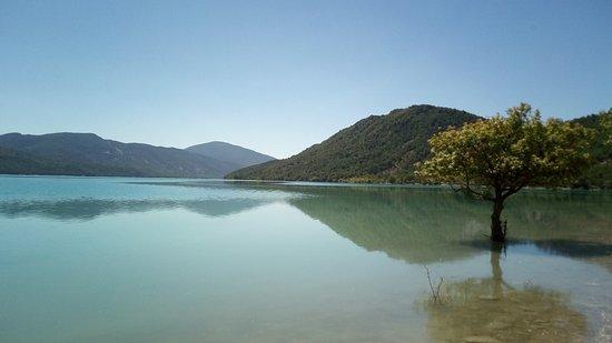 Morillo de Tou, Spain: El lago, a 50m