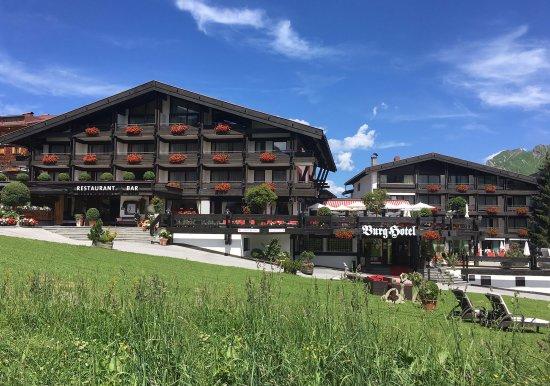 Burg Hotel: Sommer in Oberlech