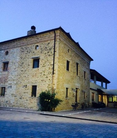 Orsogna, Italy: ingresso all'aia
