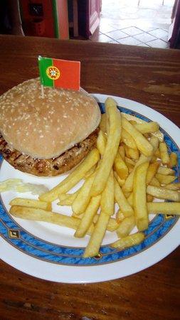 """Jimera de Libar, إسبانيا: Portugues Burger """"Frango Piri Piri"""""""