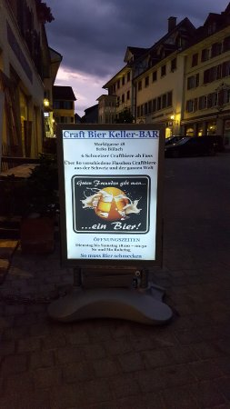 Buelach, Switzerland: schau an , ein neues Plakat ... nun kann man besser lesen, das es eine BAR  ist