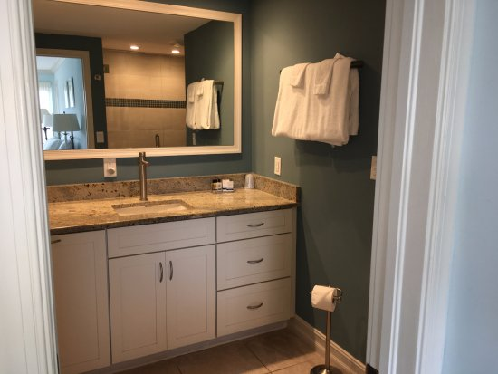 Cove Inn on Naples Bay: Bathroom also has a safe/iron board, hairdryer, closet and plenty of dressing area.