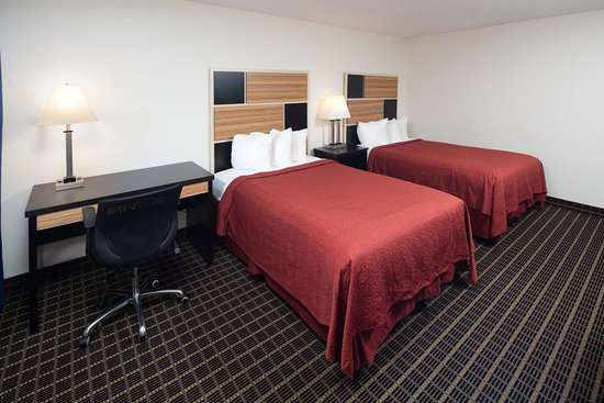 Red Lion Hotel & Conference Center Ellensburg: Two Queen Beds