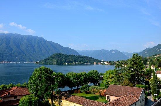 Mezzegra, Italien: Vue sur presqu'ile de la villa del Balbianello