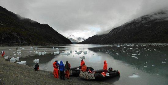 Magallanes Region, Chile: 6000 años antes por este canal navegaban los kawésqar