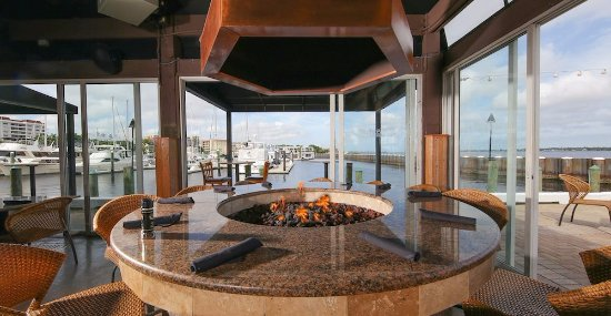 The Fire Pit At Pier 22 Bradenton Fl Private Dining