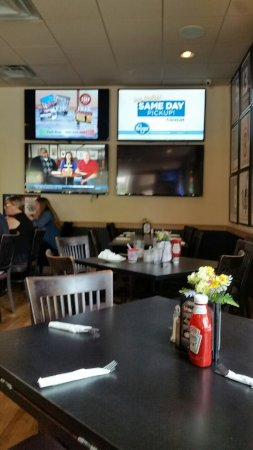 The West Side Sports Bar & Grill: the west side dining room