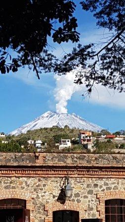 Centro Vacacional y de Convenciones Metepec: Muy cerca del Popocatepetl, por lo que el clima es muy agradable