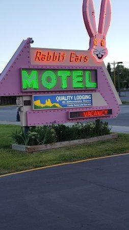 Rabbit Ears Motel Picture