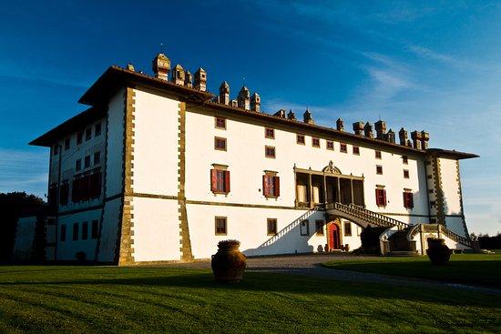 Carmignano, Itália: Villa Medicea La Ferdinanda (o villa dei cento camini)