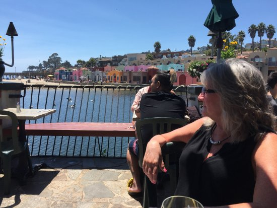 Capitola, CA: Picture taken from the deck while having lunch.