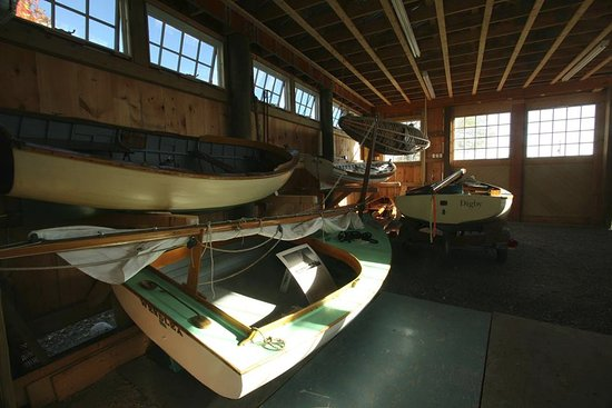 Hyannis Port, ماساتشوستس: Our Preservation Boat Shed houses our collection of traditional small craft, such as the beetle 