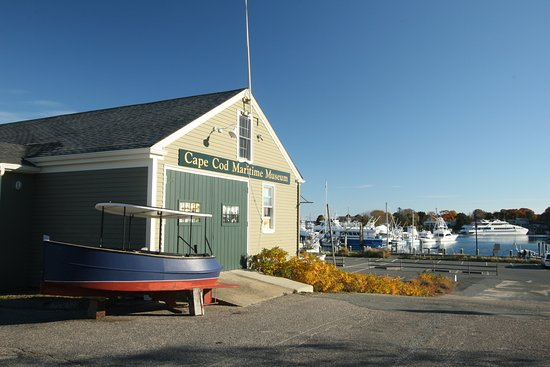 Hyannis Port, MA: The museum is located right on the Hyannis Harbor, giving you a look at local history in the mak