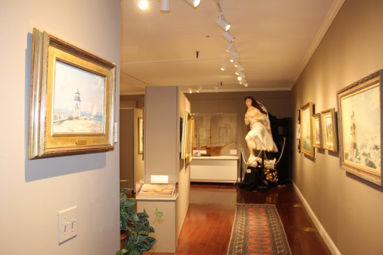 Hyannis Port, แมสซาชูเซตส์: The Maritime Fine Arts Gallery is housing $2M of John Stobart's art for the 2017 season.