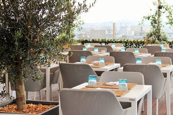 L 39 int rieur du restaurant picture of la paillote paris for Interieur restaurant