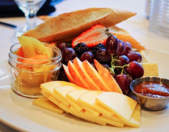 Greeneville, TN: Ploughman's Lunch