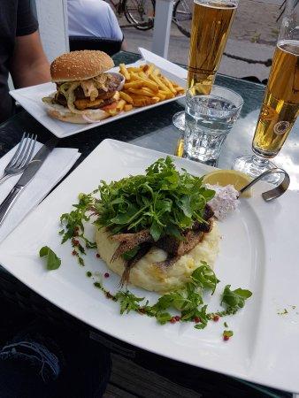Asikkala, Finnland: Muikut ja burgeri