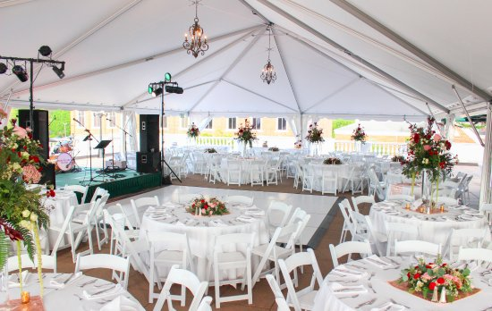 The General Morgan Inn: Terrace for wedding