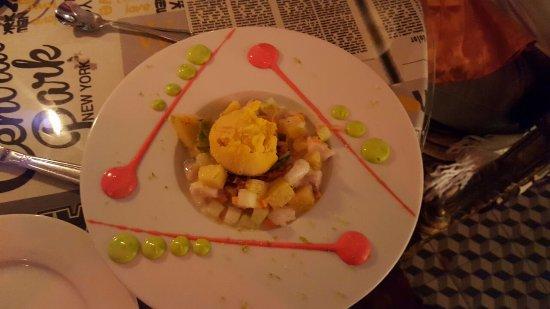 Caravane Cafe : salade, tropicale