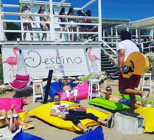 Zambratija, Croatia: Destino beach bar must... ❤️