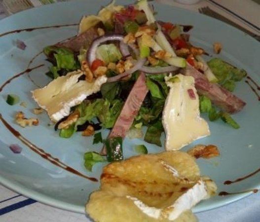 Le Chasse Maree: salade andouille camembert