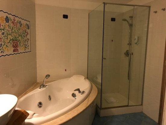 Hotel Resort & SPA Baia Caddinas: Camera con vista